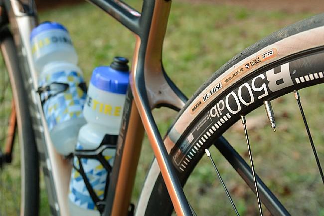 Maxxis Re-Fuse 700c MaxShield/TR Gravel Tire Maxxis Re-Fuse 700c MaxShield Gravel Tire